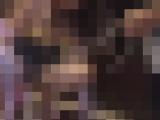 【個人撮影】変態絶倫男たちのMペットとして好き放題遊ばれる志願愛奴 次第にNTR複数チンポ快楽に溺れ男汁まみれながら奉仕してくれる