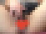 【無修正】肌がきれいな淫乱女子大生の自撮りオナニー。2本指を膣穴の奥までつっこみ発情しまくる