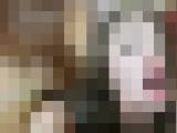 【無修正】ロリ顔のかわいい女の子は赤いTバックで誘惑する でかけつをバックでデカチンで突き中出しする